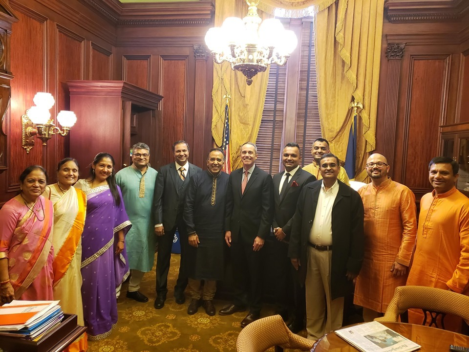 October 21, 2019: Senator Santarsiero with members of Bochasanwasi Akshar Purushottam Sanstha (BAPS).