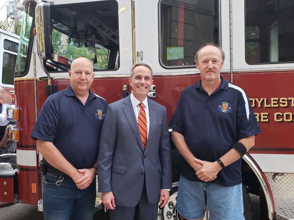 June 7, 2019: Senator Santarsiero at the Doylestown Fire Company No. 1 Old Timers Night.