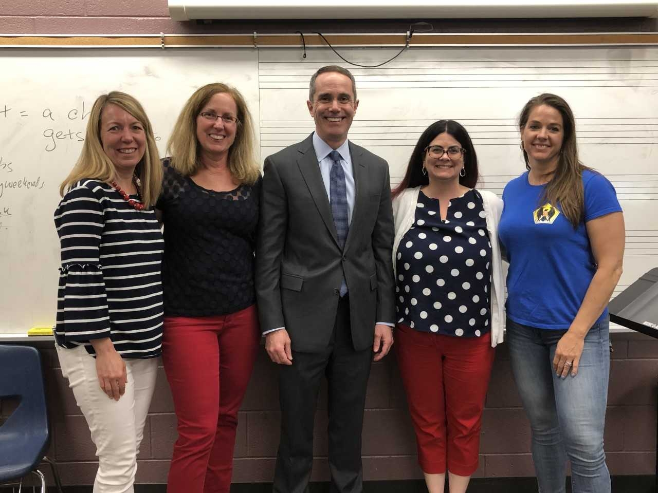 May 2019: Senator Santarsiero visits teachers and 4th grade students at Eleanor Roosevelt Elementary School as part of their Spirit Week celebration.