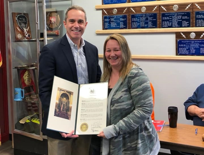 February 2019: Senator Santarsiero presenting Karen Cohen of Tullytown Fire Company Station 33 with her senate citation.