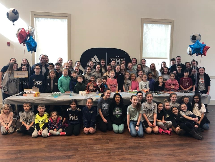 February 2019: Senator Santarsiero at the Lower Makefield Community Center with YMS members during their Operation Gratitude event.