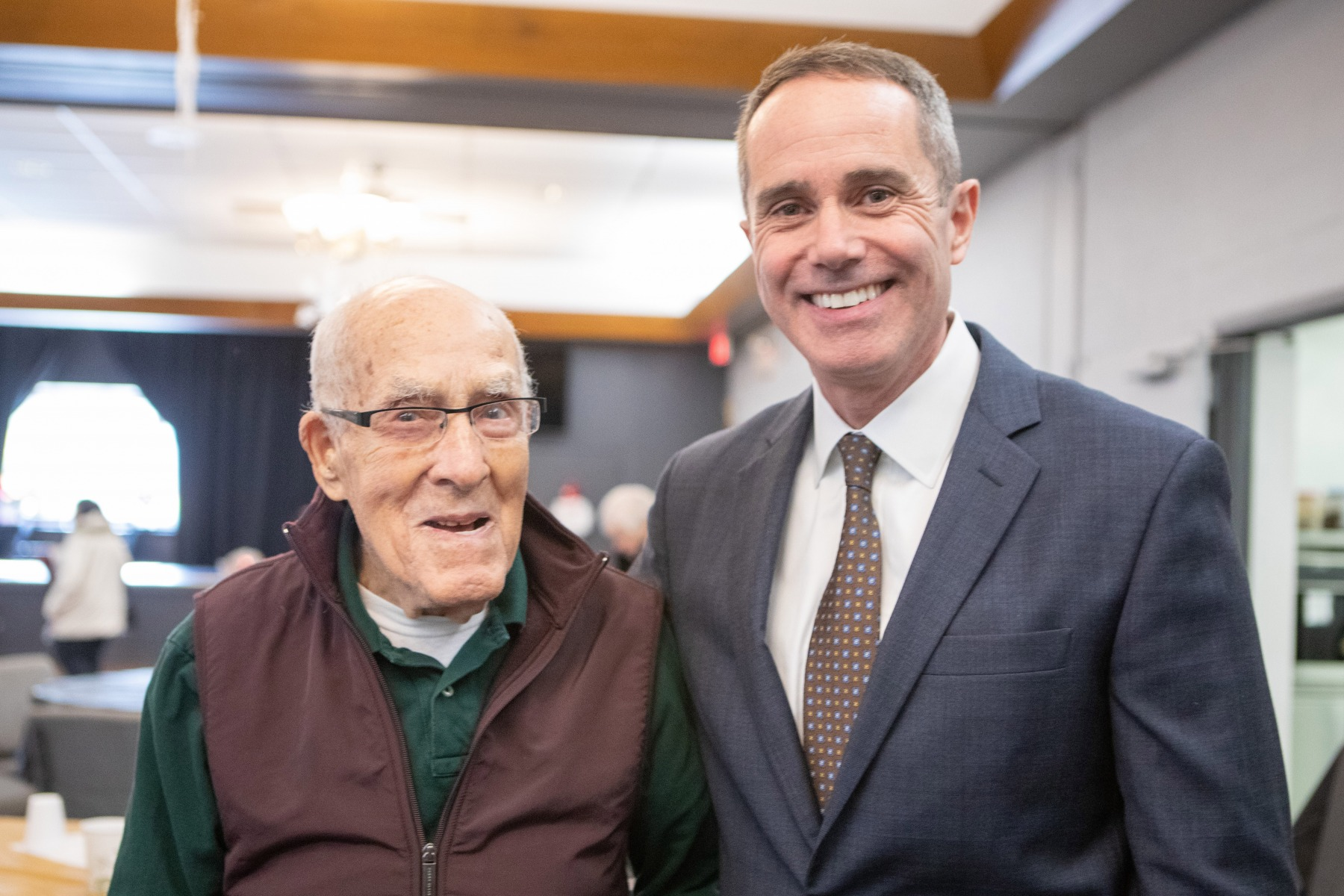 November 15, 2019: More than 100 people crowded the Central Bucks Senior Activity Center in Doylestown today for a Legislative Breakfast hosted by state Sen. Steve Santarsiero.  The audience aired concerns about a wide range of subjects including property taxes and gun violence.